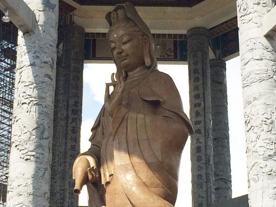 saraherhodes-statue-kek-lok-si